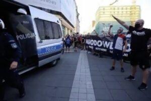 """Katowice , faszyści w marszu """"stop LGBT"""""""