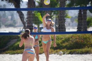 Jak zrobić boisko do siatkówki plażowej?