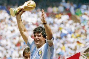Zmarł Diego Maradona. Jeden z najwybitniejszych piłkarz w historii miał 60 lat