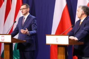 """Konflikt Polski z UE: """"Wstrzymać pieniądze"""", """"wzmocnić demokratyczną opozycję"""""""