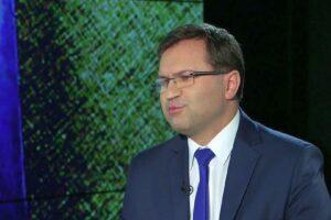 Roman Giertych napisał list do posła Girzyńskiego w sprawie jego szczepienia poza kolejką