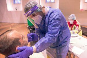 W Wielkiej Brytani dopuszczono test na obecność koronawirusa, który daje wynik w 20 sekund