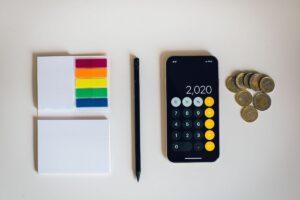 Wynagrodzenie netto versus brutto – jakie są najważniejsze różnice?