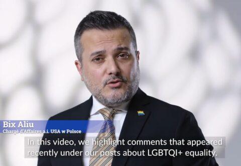 """Ambasada USA w Polsce w obronie osób LGBTQI+ apeluje:  """"Słowa mają znaczenie. Czas skończyć z nienawiścią"""""""