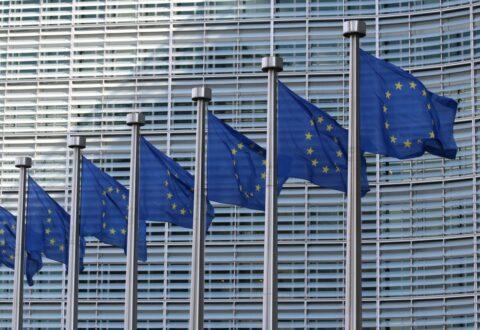 Komisja Europejska stawia Polsce warunek: uznacie decyzje TSUE albo kary finansowe
