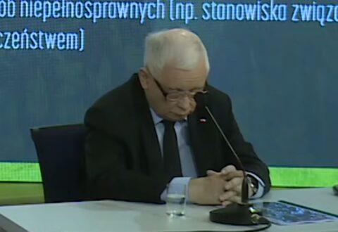Marcin Zegadło: Wszyscy teraz, że Kaczyński śpi. No i co z tego, chce mu się spać to śpi. Co innego jednak fascynuje – jego dłonie