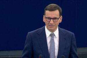 Prasa o debacie w PE: kurs na konfrontację, groźba kryzysu UE