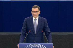 """Roman Giertych: list do Morawieckiego. """"Oj, trudno będzie obronić wygłoszoną w PE tezę, że Polska to kraj o najdłuższej historii demokracji"""""""
